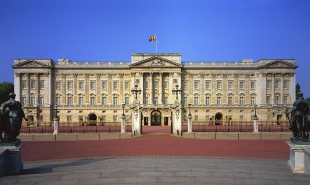 Buckingham-Palace-014.jpg