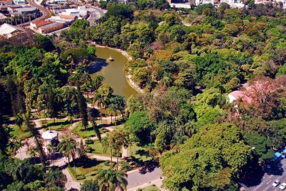 parque-municipal-americo-renne.jpg