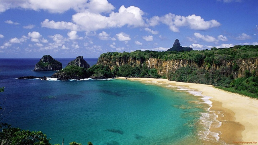 bala-do-sancho-beach-fernando-de-noronha